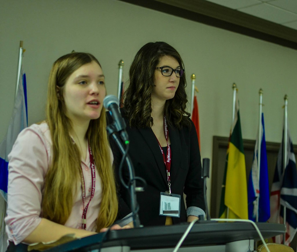 Current Quebec 4-H YAC Member Andrea Soesbergen assists with emceeing during the 4-H Canada Leadership Summit.